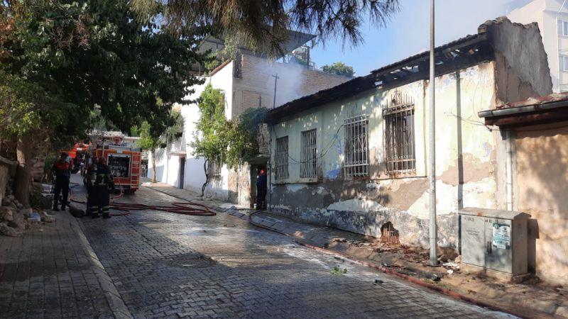 Aydın'da yangın: 2 kişi...