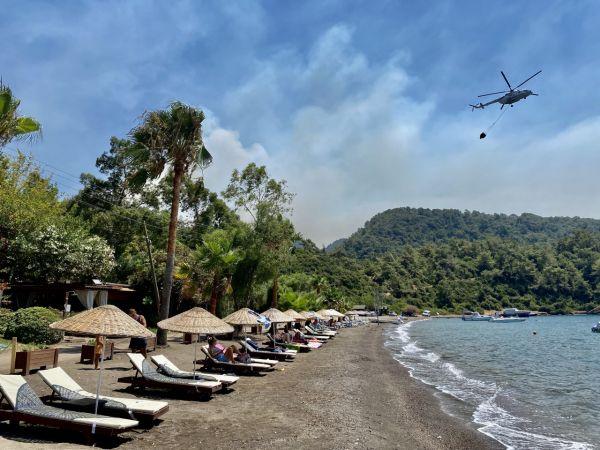 Marmaris'teki orman yangınını söndürme çalışmalarına devam ediliyor