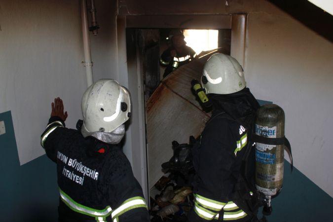 Söke'de çıkan yangında bir ev kullanılamaz hale geldi