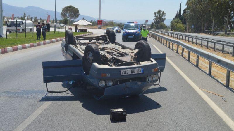 Aydın'da devrilen otomobildeki 5 kişi yaralandı