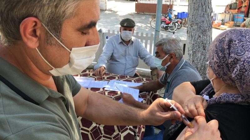 Aydın'da aşı ikna timleri çalışmaya devam ediyor