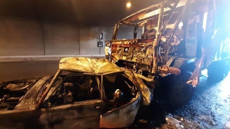Aydın - İzmir otobanında kazada ölen 4 kişinin cenazeleri Balıkesir'de defnedildi
