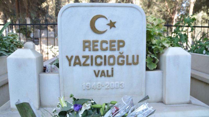 """""""Süper Vali"""" Recep Yazıcıoğlu vefatının 18. yılında kabri başında anıldı"""