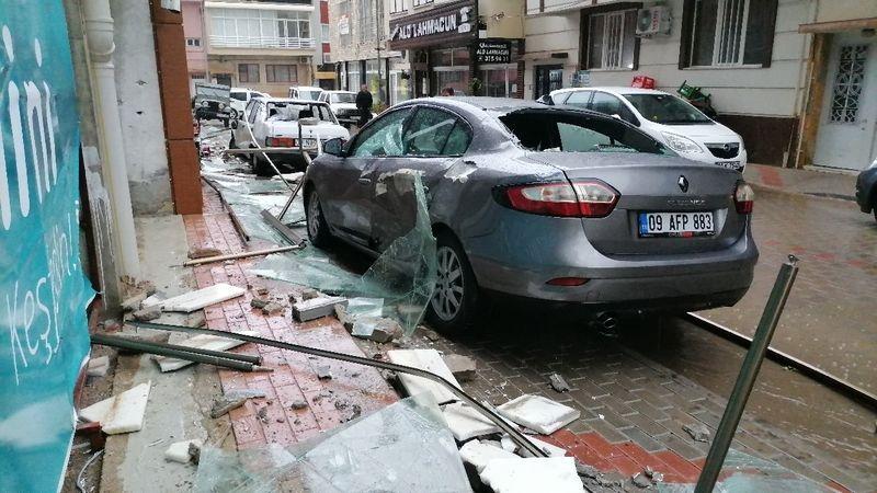 İnci Yapı'da fırtına koptu! 12 araç zarar gördü