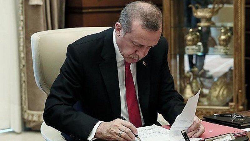 Cumhurbaşkanı imzaladı 3 isim görevden alındı