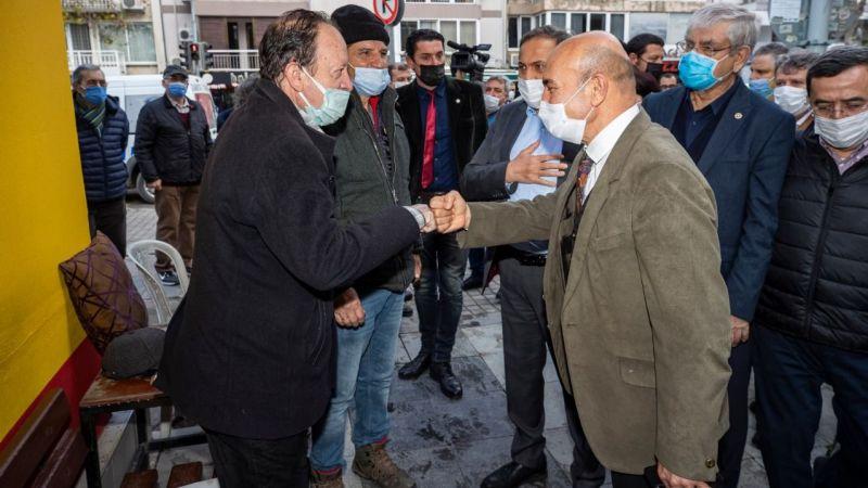 Başkan Soyer selden zarar gören aileleri ve esnafı ziyaret etti