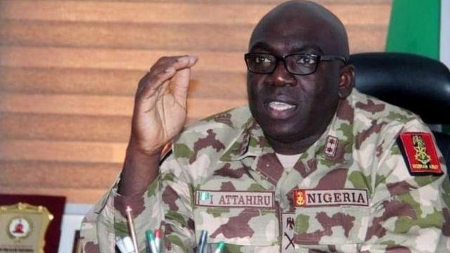 Nijerya Genelkurmay Başkanı uçak kazasında öldü