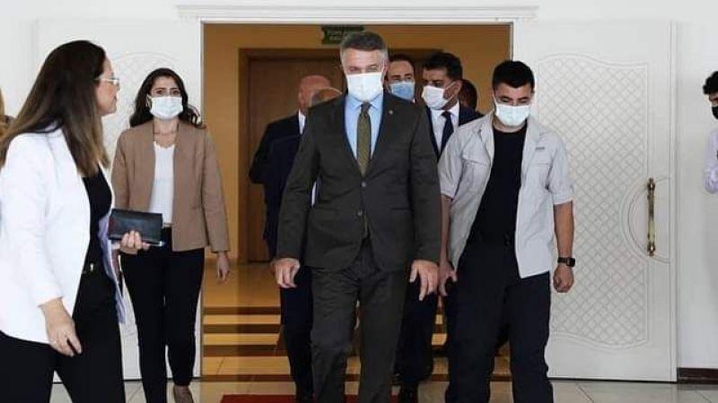 İzmir'in yeni Emniyet Müdürü Mehmet Şahne görevine başladı