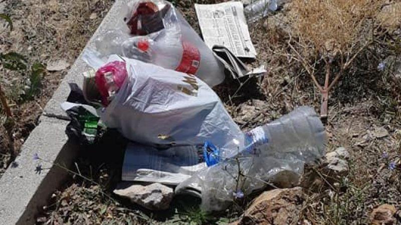 Şelale piknikçilerinden geriye kalan çöpler isyan ettirdi