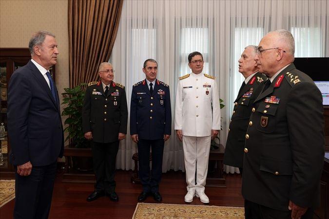 Kara Kuvvetlerinde devir-teslim töreni