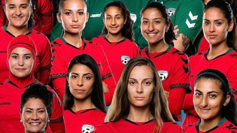 Afganistan milli kadın futbol takımı oyuncuları ülkeden kaçtı