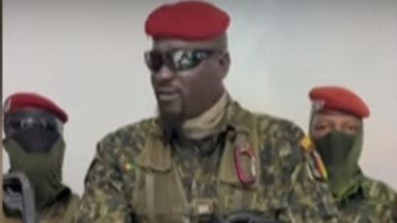 Gine'de askerler yönetime el koydu