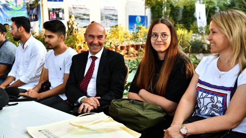 İzmir Büyükşehir'den 5 bin aileye eğitim desteği