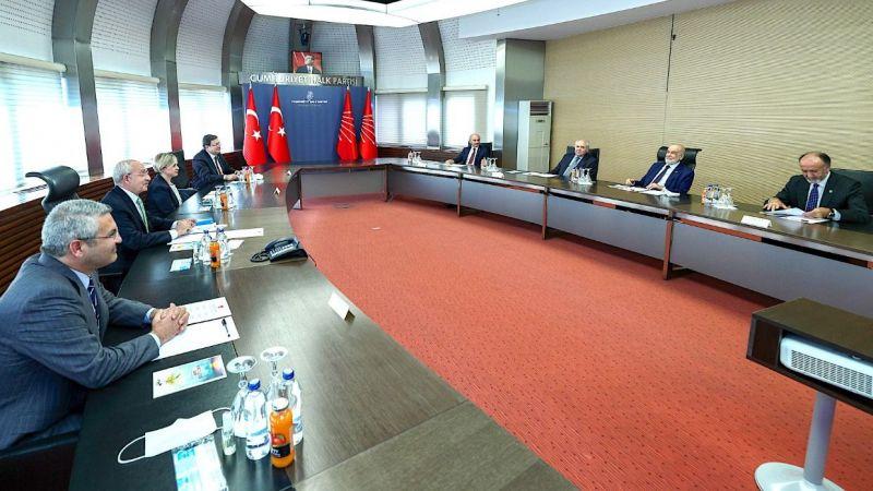 Karamollaoğlu,Kılıçdaroğlu'nu ziyaret etti
