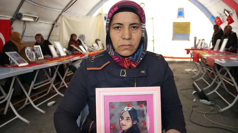 Diyarbakır annelerinin çığlığı: Evladımıza kefen giydirmek istemiyoruz. Gelinlik, damatlık giydirmek istiyoruz