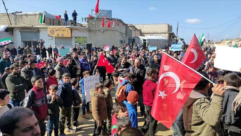Suriye'nin Ahtarin beldesinde Türkiye'ye destek gösterisi
