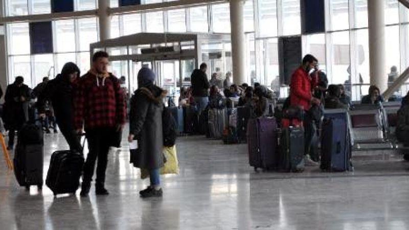 Otobüs terminallerinde 'koronavirüs' önlemi ve yoğunluğu