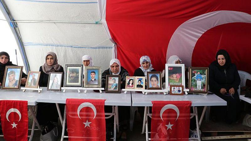 Diyarbakır annesi Esmer Koç: Kızım gel teslim ol, o zalimlerin elinden kaç