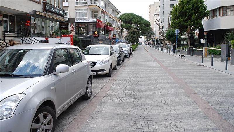 Kadıköy ve Üsküdar koronavirüs tedbirleri nedeniyle en sakin günlerini yaşıyor