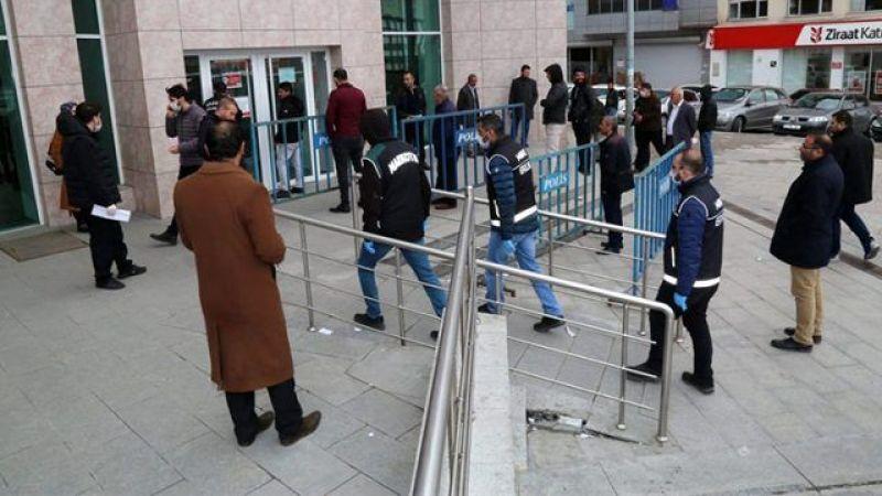 Erzurum'da koronavirüs nedeniyle 3 veya daha fazla kişinin yan yana dolaşması yasaklandı