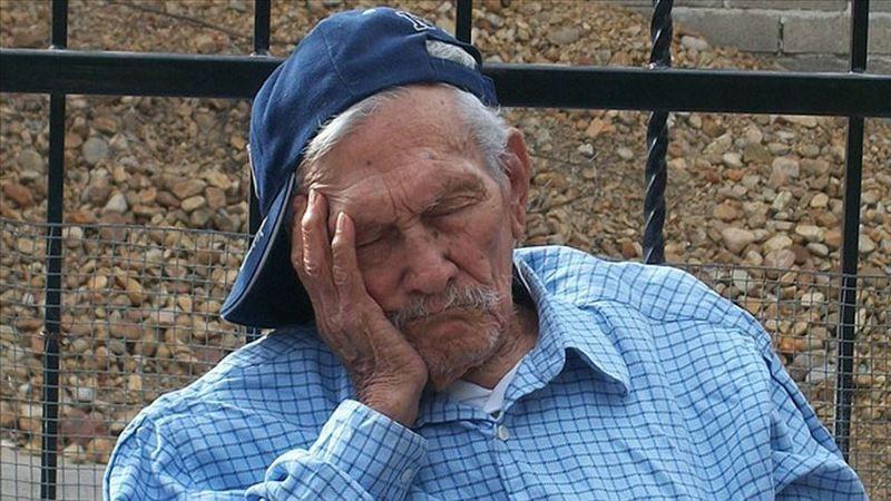Uzmanından yaşlılara 'düzenli uyku' tavsiyesi