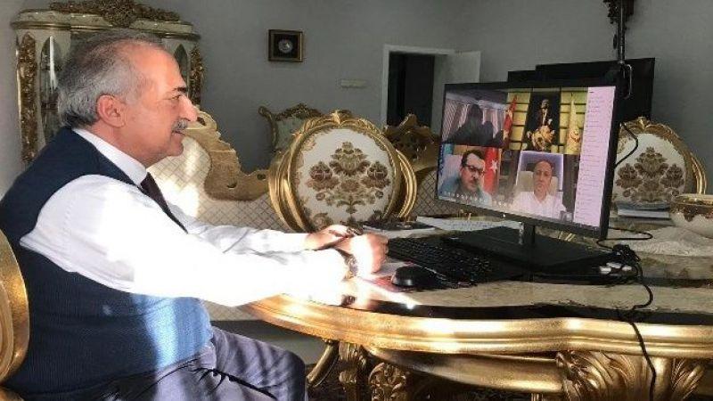 Rektör Çomaklı, Bakan Selçuk ile video konferans yöntemiyle görüştü