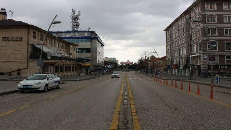 Erzurum hayalet şehre döndü