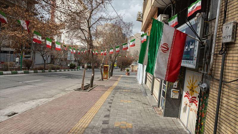 İran'ın son 40 yılındaki siyasi çıkmazlar ve tezatlar