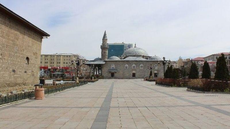 760 bin nüfusa sahip Erzurum'da yasağın ikinci günüde sessizlik hakim