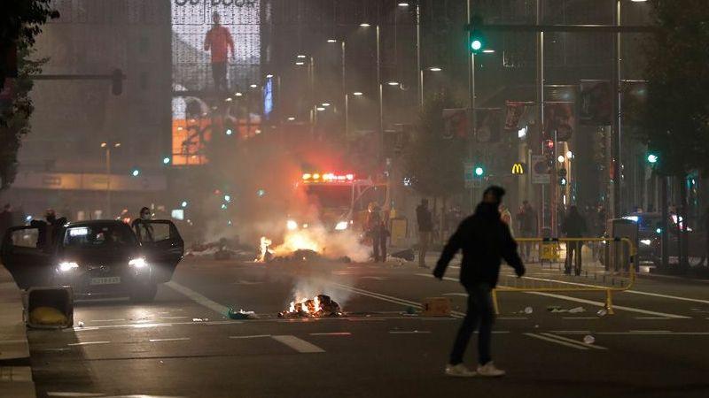 İspanya'da protesto: Sokaklar savaş alanına döndü