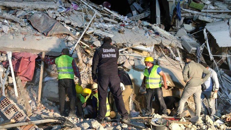 Somalı madencilerden bina tepkisi! Deprem öldürmez, yapı öldürür