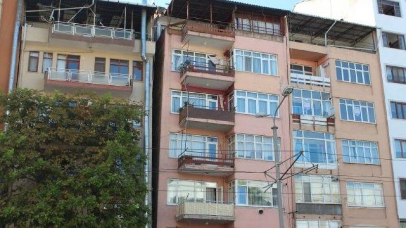 Deprem gerçeğine rağmen Kocaeli'de yamuk binalarda yaşıyorlar