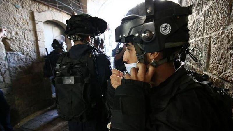 İsrail yüzlerce Filistinlinin Mescid-i Aksa'ya girişine izin vermedi