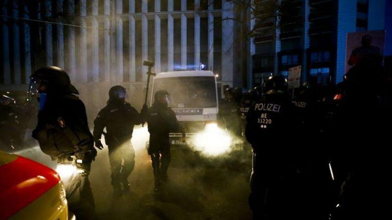 Almanya'da Kovid-19 protestosuna polis müdahale etti
