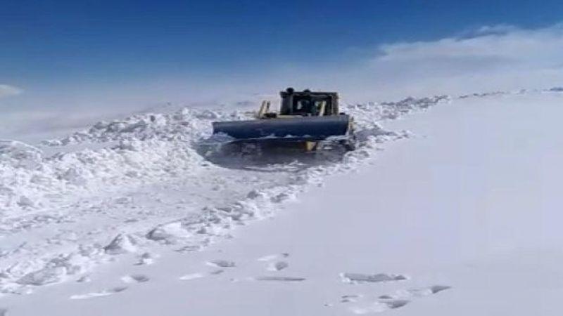 Horosan'da Kar kalınlığı 4 metreyi aştı