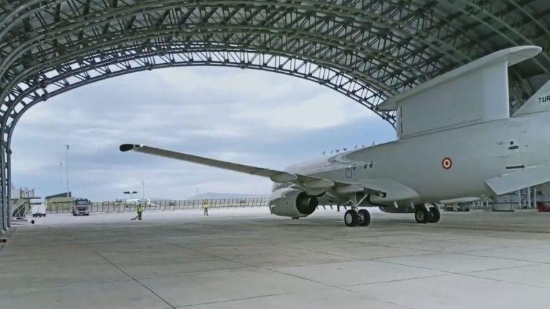 TSK'nın E-7T HİK uçağı, ilk defa başka bir NATO ülkesi hava sahasında görev yaptı
