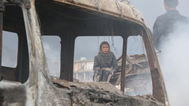 Afganistan'da cuma namazı kana bulandı: 12 ölü, 15 yaralı