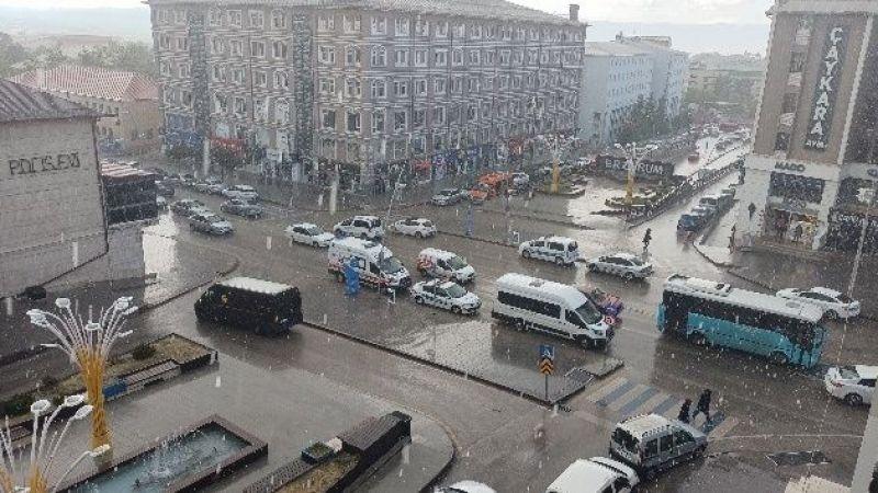 Kuraklıkla karşı karşıya kalan Erzurum, aylar sonra yağmura kavuştu