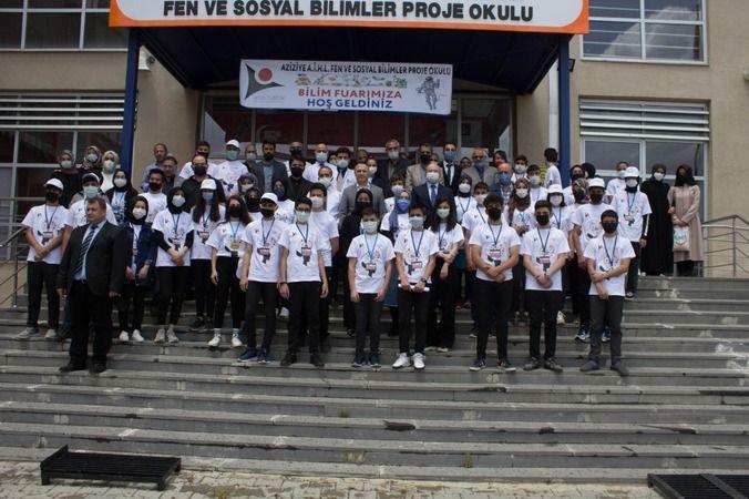 Erzurum Aziziye Anadolu İmam Hatip Lisesi Fen Ve Sosyal Bilimler Proje okulu bilim fuarı sergiledi.