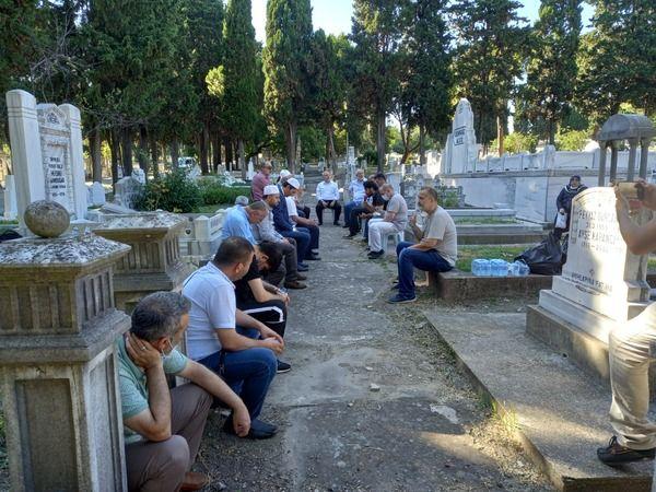 Ali Nar hoca mezarı başında anıldı