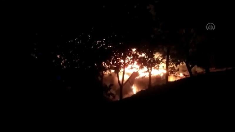ERZURUM - Çıkan yangında 3 ev kullanılmaz hale geldi