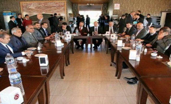AK Parti Belediye Başkanları Birecik'te Toplandı