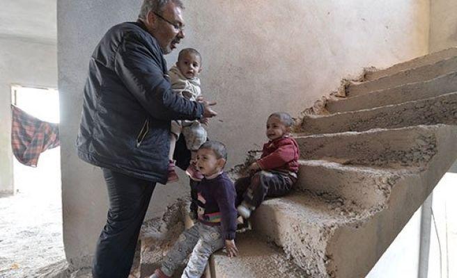 Suriyelilerin inşaatlardaki yaşam mücadelesi