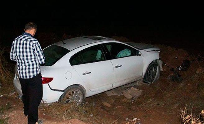 Urfa'da otomobil devrildi 1'i ölü 1 yaralı