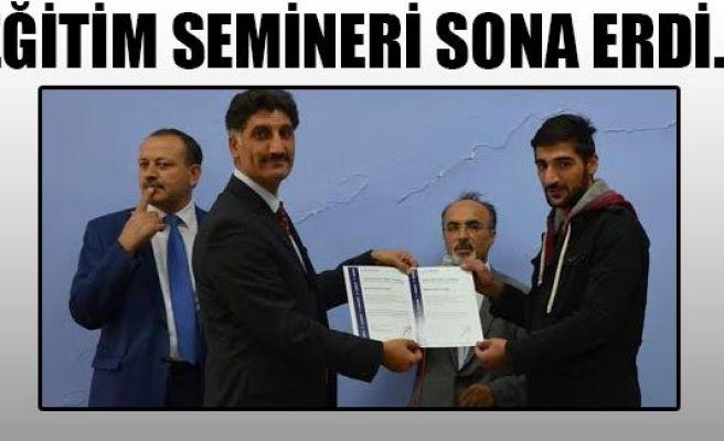 Öğrencilere sertifika verildi...