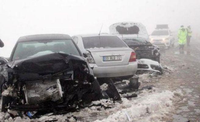 Şanlıurfa'da zincirleme kaza: 8 yaralı