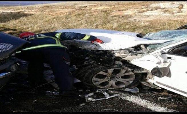 Urfa'da sıkışmalı kaza:2 yaralı