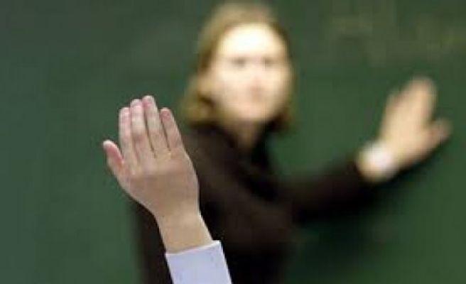 7 öğretmenin görevine son verildi...