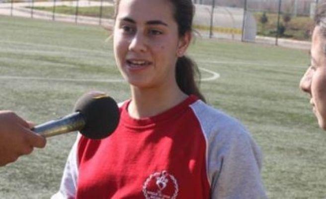Güneydoğulu kızların futbol tutkusu