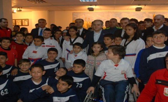 Büyükşehir'den sporculara müjde verdi